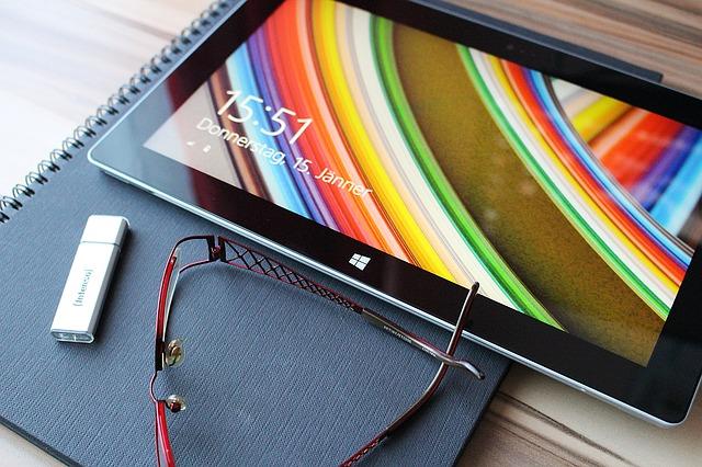 auが発売しているタブレット「Qua tab PZ OS」のアップデート情報タイトル画像